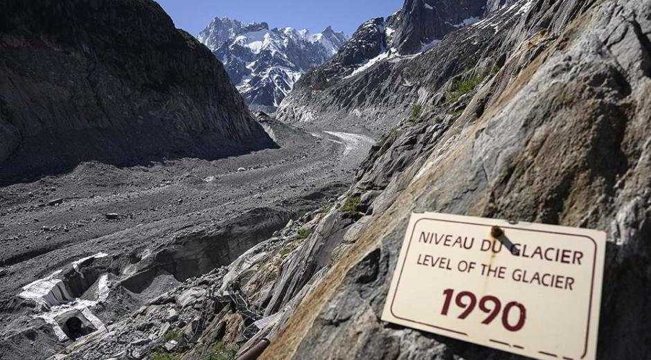 A sign at the foot of Mont Blanc indicating the level of the glacier in 1990
