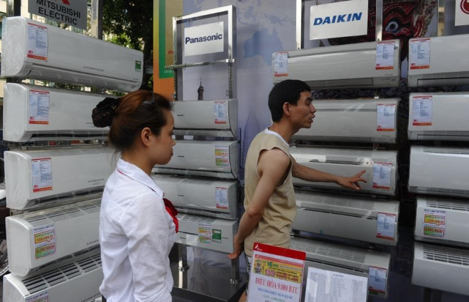 Image of a store selling air conditioners in Hanoi, Vietnam.