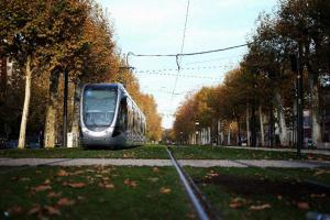Le tramway de Toulouse : exemple d'un usage possible de l'électricité